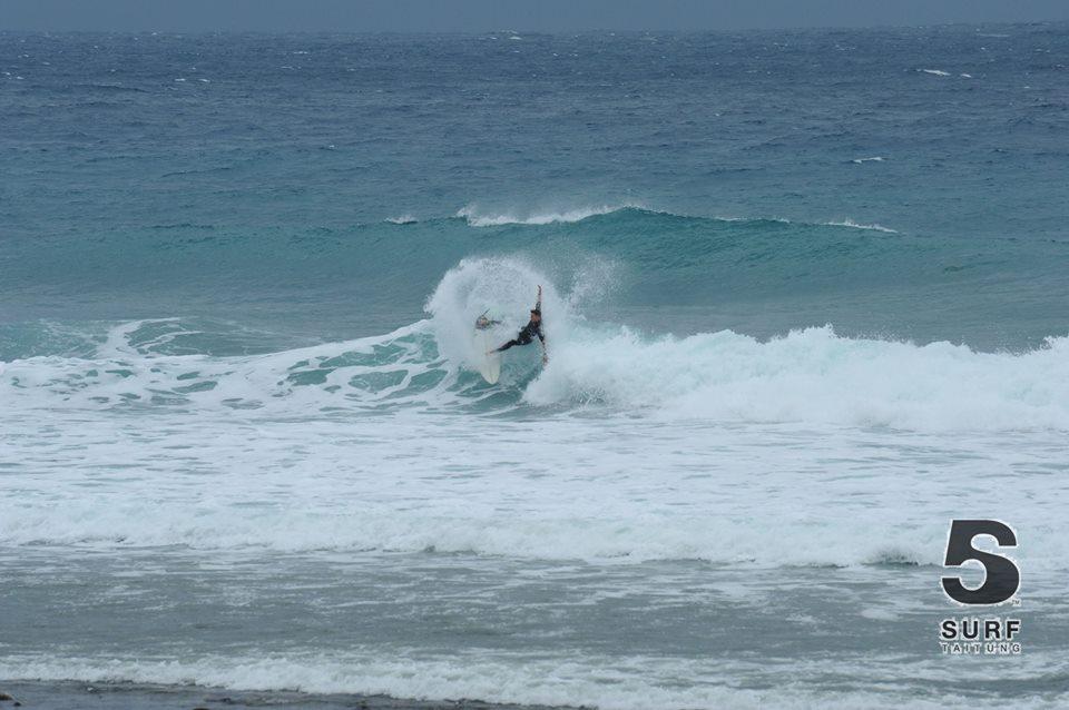 Surf's Up 東台湾サーフトリップ&波情報 2月4~5日