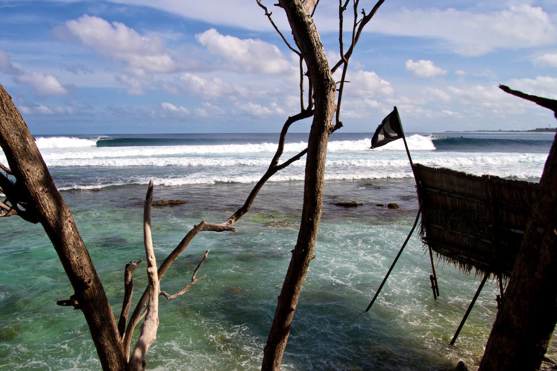 8月2日。波がコンスタントなロヒスはフドゥランフシリゾート滞在のお客様のみサーフィン可能。